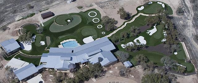 Dave Pelz has the World's Greatest Backyard according to HGTV because it is a  short game golf facility.