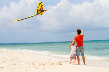 12 Tips for Great Kite Flying at the Beach - Wear Plenty of Sunscreen and Eye Protection