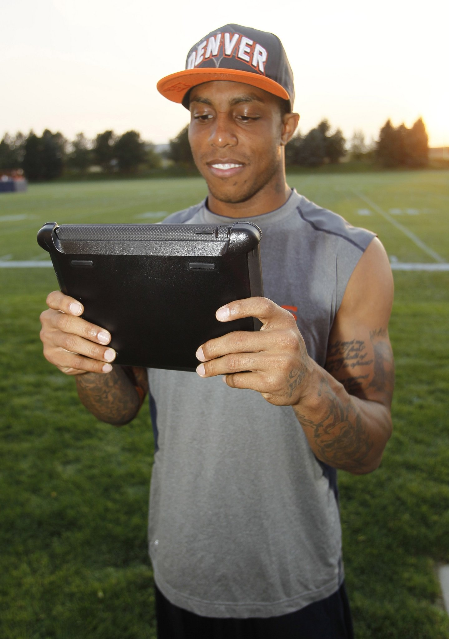 NFL Playbooks Gone Digital: How Teams Use Tablets to Stay Ahead http://mvb.me/s/9ef059