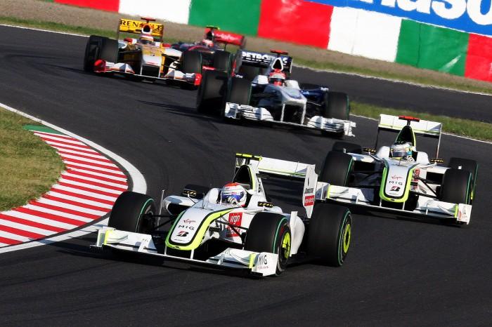 Rubens Barrichello and Jenson Button 2009 Japan F1 Race.