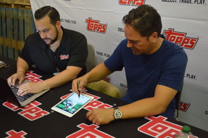 Piazza signed digital personalized autographs for fans from around the world while in Atlantic City for The Baseball Card Show.