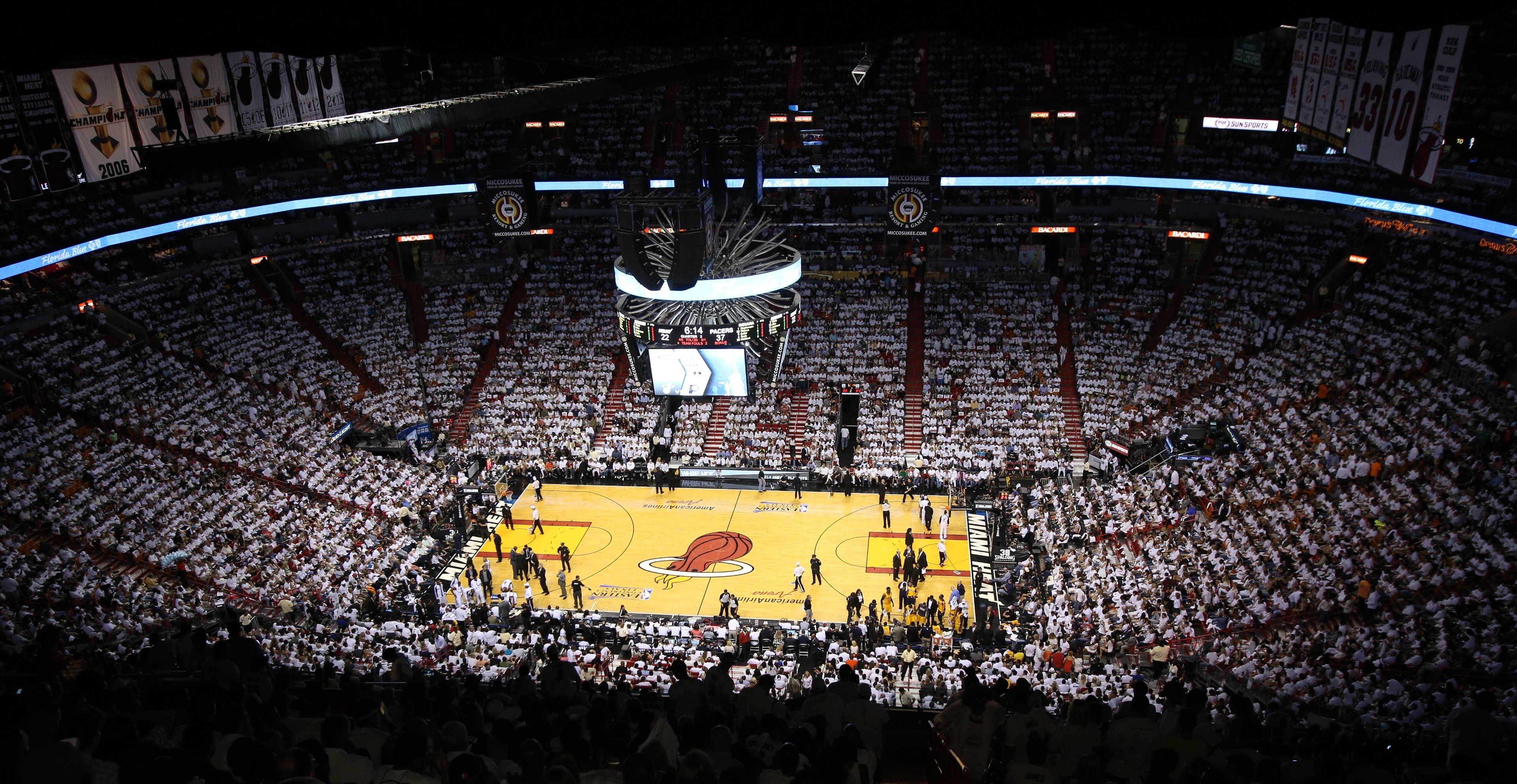 AmericanAirlines Arena Enhances Fan Experience and Increases Energy Efficiency with Eaton's Advanced LED Lighting and Controls System, Photo Credit David Alvarez/Miami HEAT.
